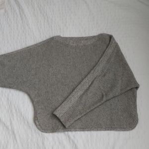 Aritzia / wilfred gray batwing knit sweater